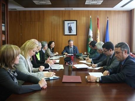 La Subdelegación coordina las actuaciones contra el contrabando de tabaco