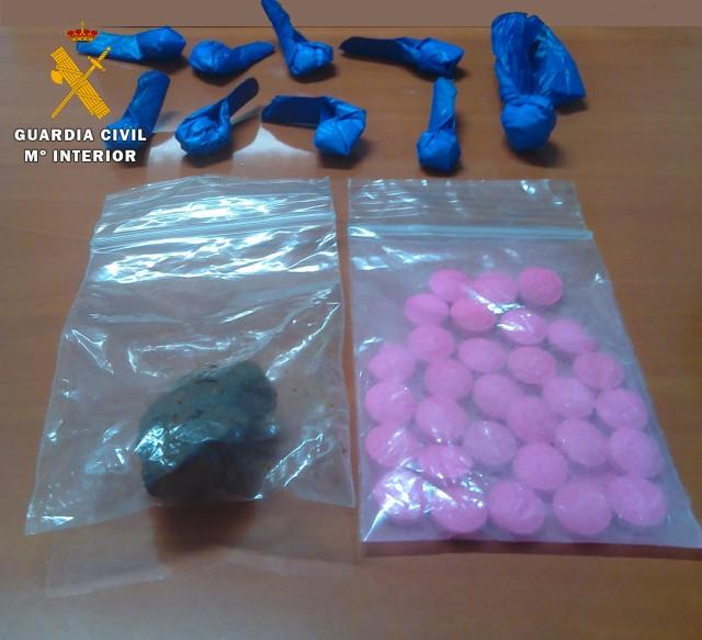 La Guardia Civil detiene en Almedinilla a una persona por tráfico de drogas