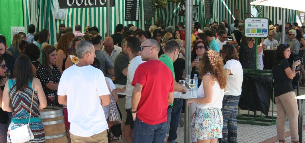 Expositores y público valoran positivamente el cambio de escenario de la Fiesta del Vino y la Tapa