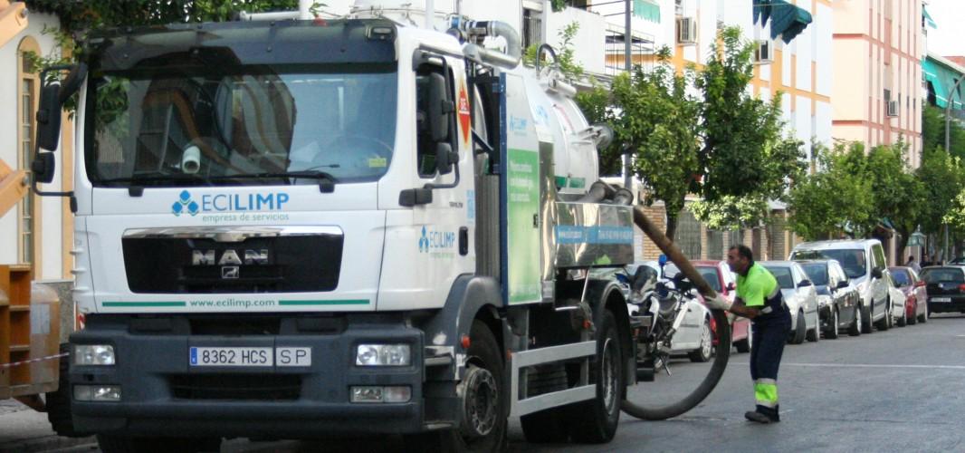 El Ayuntamiento intensifica los trabajos de limpieza de imbornales y de las redes de alcantarillado