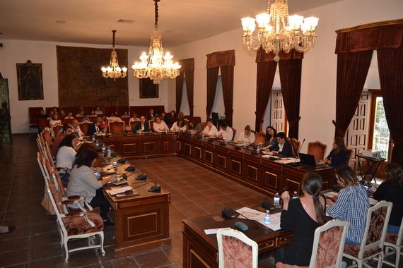 fotoreunionpropuestadeigualdadaalcaldesyconcejales01
