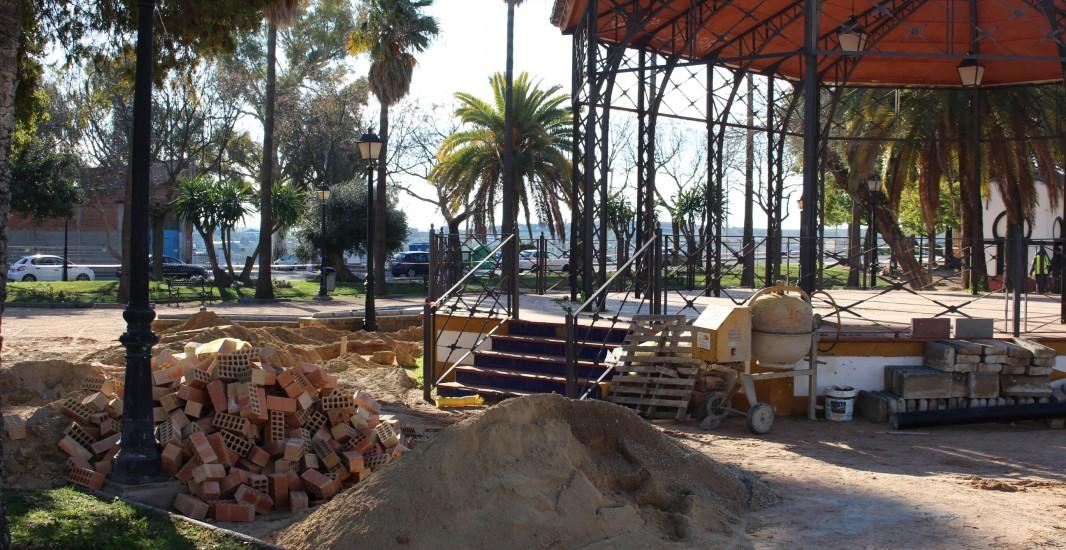 Con una inversión superior a los 58.000 euros, el Ayuntamiento comienza una remodelación para la mejora del Paseo de Cervantes