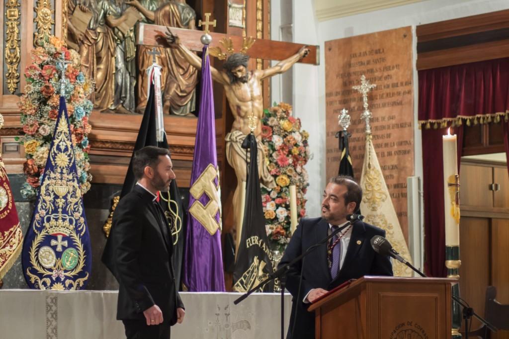 Francisco José Gázquez presentando el pregón de la Semana Santa 2017