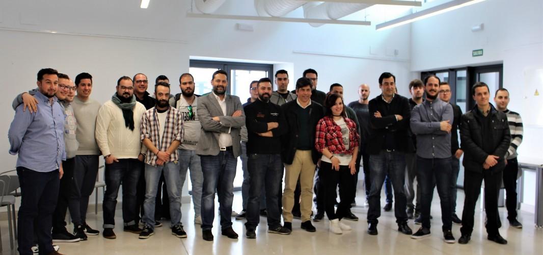 21 jóvenes comienzan el curso de formación en Tonelería