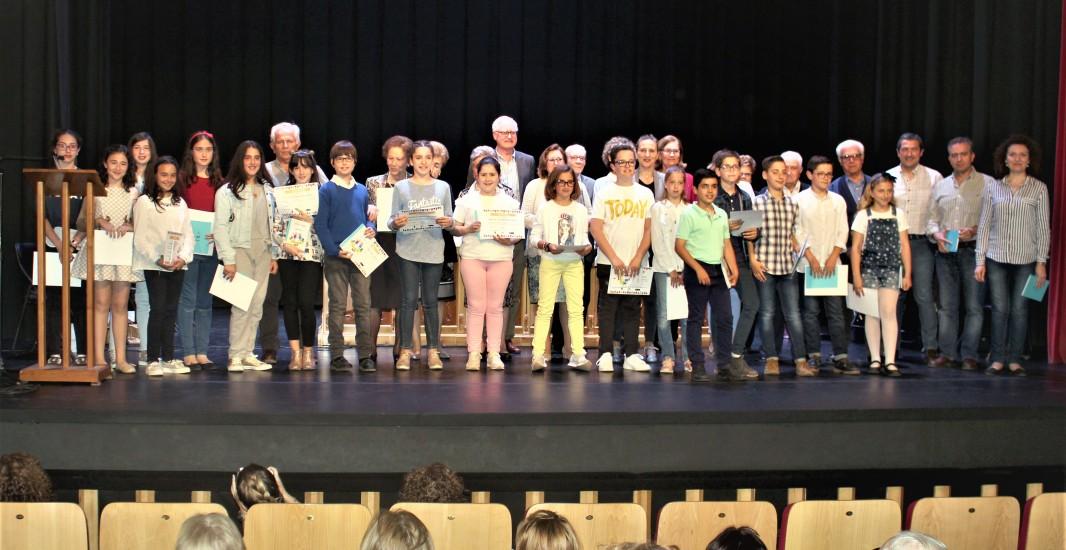 Doce niños y cuatro abuelos, galardonados por el programa Menudos Abuelos, en su Certamen de Cuentos