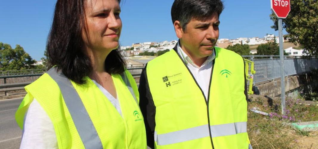La Junta sustituye la baranda del Puente de Santa María y mejora la accesibilidad en este punto