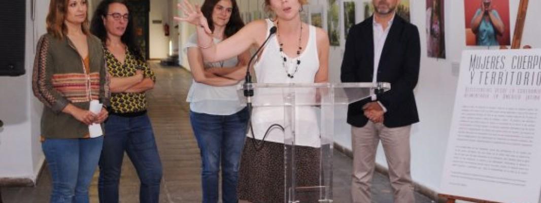 La Diputación acoge la exposición 'Mujeres, cuerpo y territorio' sobre la situación de las mujeres indígenas campesinas