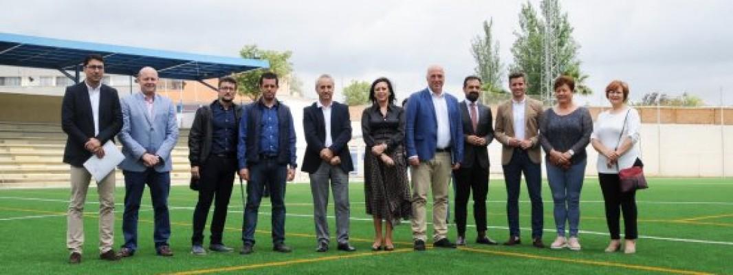 La Diputación de Córdoba finaliza la obra del campo de fútbol de césped artificial de Cañete de las Torres