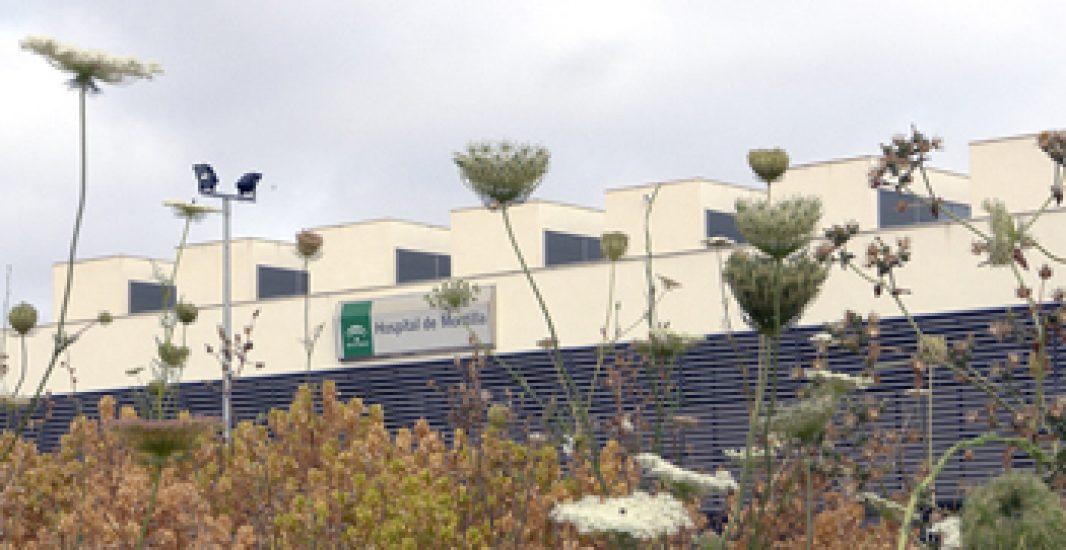 El Hospital de Montilla y la asociación Aperfosa firman un convenio de colaboración para facilitar el acompañamiento de pacientes ingresados