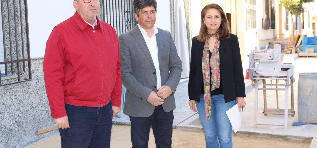 El Ayuntamiento realiza actuaciones urbanísticas en avenida del Trabajo y avenida Marqués de la Vega y Armijo