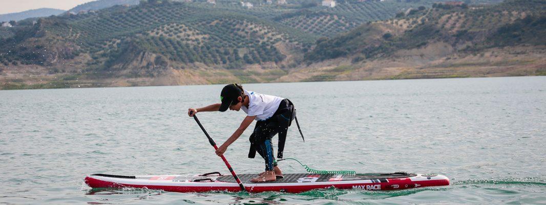 Las tablas de Paddle Surf invaden  el Lago de Iznájar