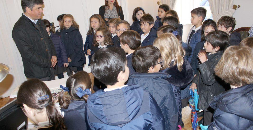 Alumnos de 2º de EPO del colegio San Luis visitan las instalaciones del Ayuntamiento