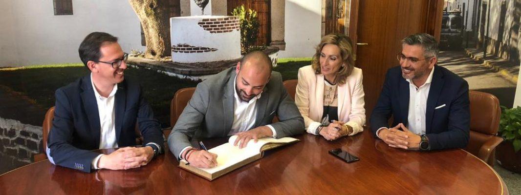 La Junta se interesa por la futura residencia de mayores de Pozoblanco