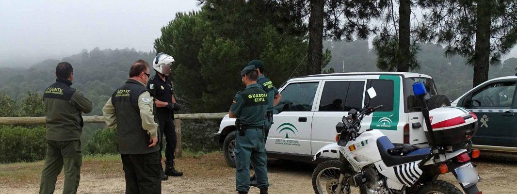 Agentes de Medio Ambiente, Unidad Adscrita de la Policía Nacional a la Junta de Andalucía y SEPRONA de la Guardia Civil, realizan dispositivos conjuntos para controlar la circulación de motocicletas en el entorno del Parque Periurbano de Los Villares