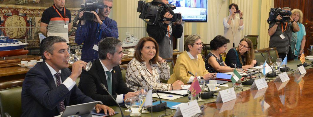 Crespo defiende la demanda del sector para que no se prorrogue la excepcionalidad con Italia en la comercialización de la chirla