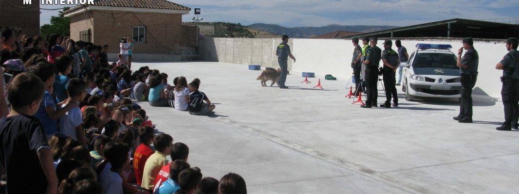 La Guardia Civil realiza una exposición de medios en Baena