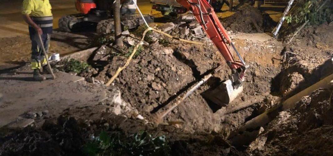 Continúan los trabajos para restablecer el suministro de agua a los vecinos de Montilla
