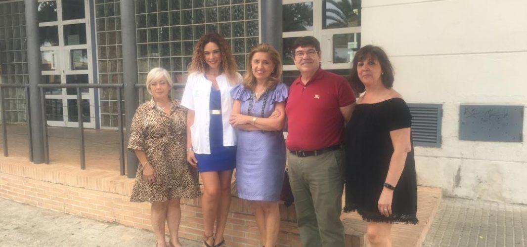La delegada de Salud y Familias visita el consultorio de Villarrubia